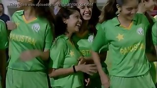qmobile Boobs groping scene TVC Pakistani Cricket AD 2016 desi pakistani indian